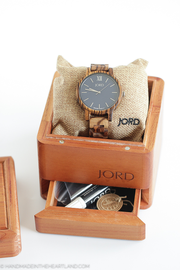 JORD wood box packaging for watches