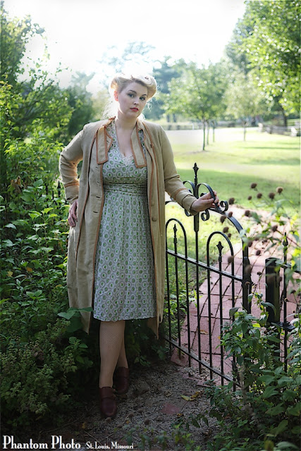 plus size retro fashion blog Va-Voom Vintage with Brittany