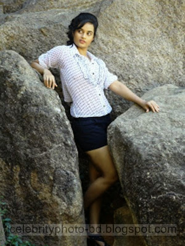 South Indian Sexy Item Girl Suja Varunee's Hot Photos New Collection With Short Biography