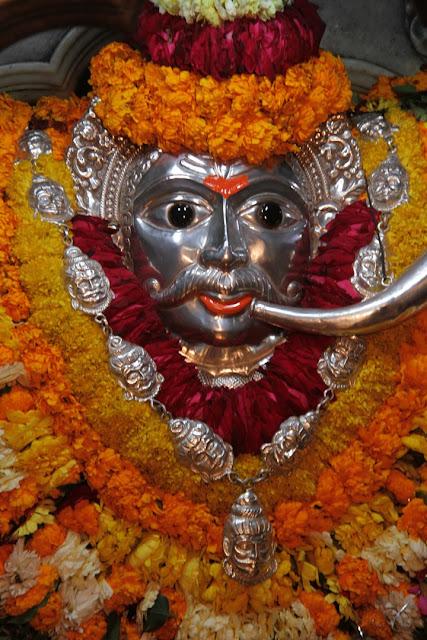 Kasika Puradhi Nadha Kalabhairavam Bhaje Ringtone