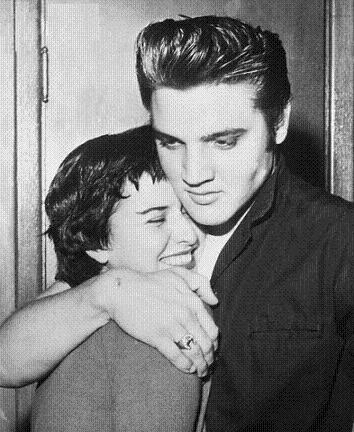 Elvis Presley - Pablo Aluísio: Elvis Presley - Elvis e June Juanico