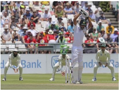 The first day of the Johannesburg test, Pakistan scored 17 runs on 2 wickets
