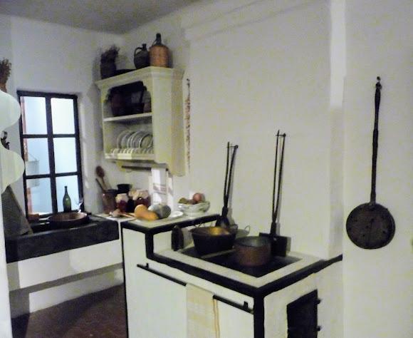 Шабо. Центр культури вина. Музей. Експозиція присвячена колоністам зі Швейцарії