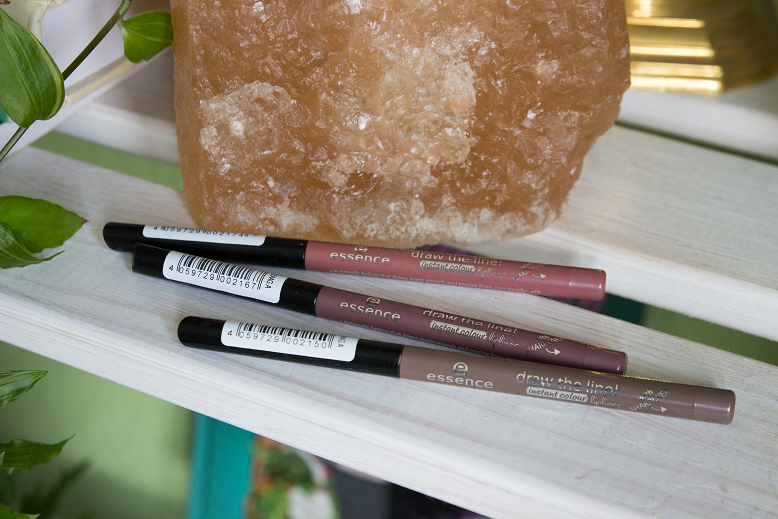 essence draw the line instant colour lipliner