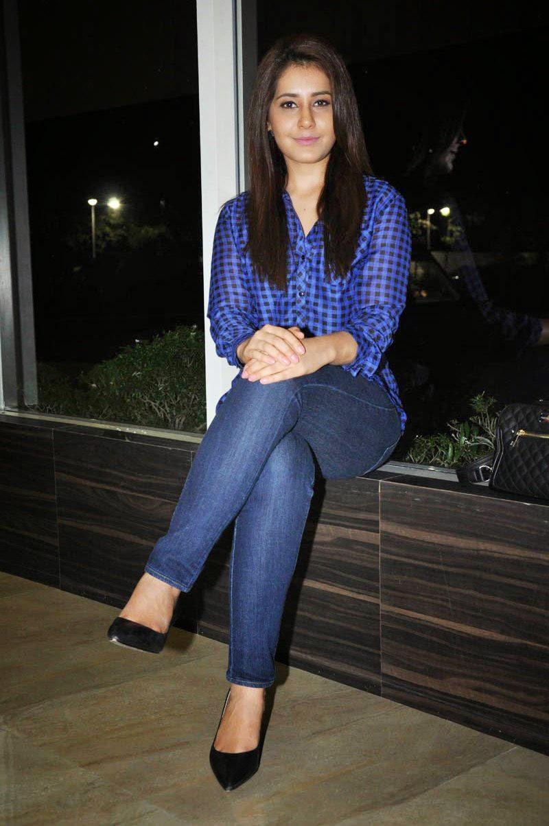 Rashi Khanna Latest Photos in Jeans at Lakshmi Raave Maa ...