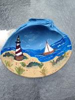 Manualidades : conchas pintadas a mano FARO Y BARCO