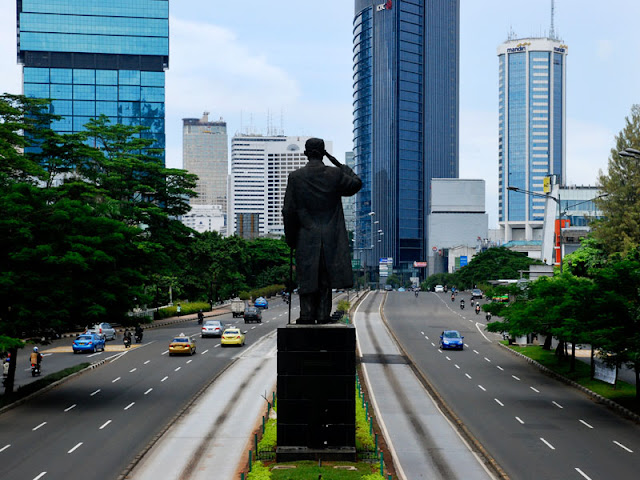 image Jalan Jenderal Sudirman Jakarta