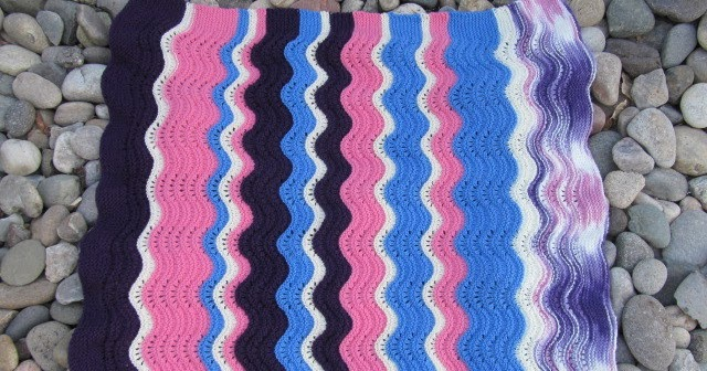 Patchouli Moon Studio Feather And Fan Knit Throw