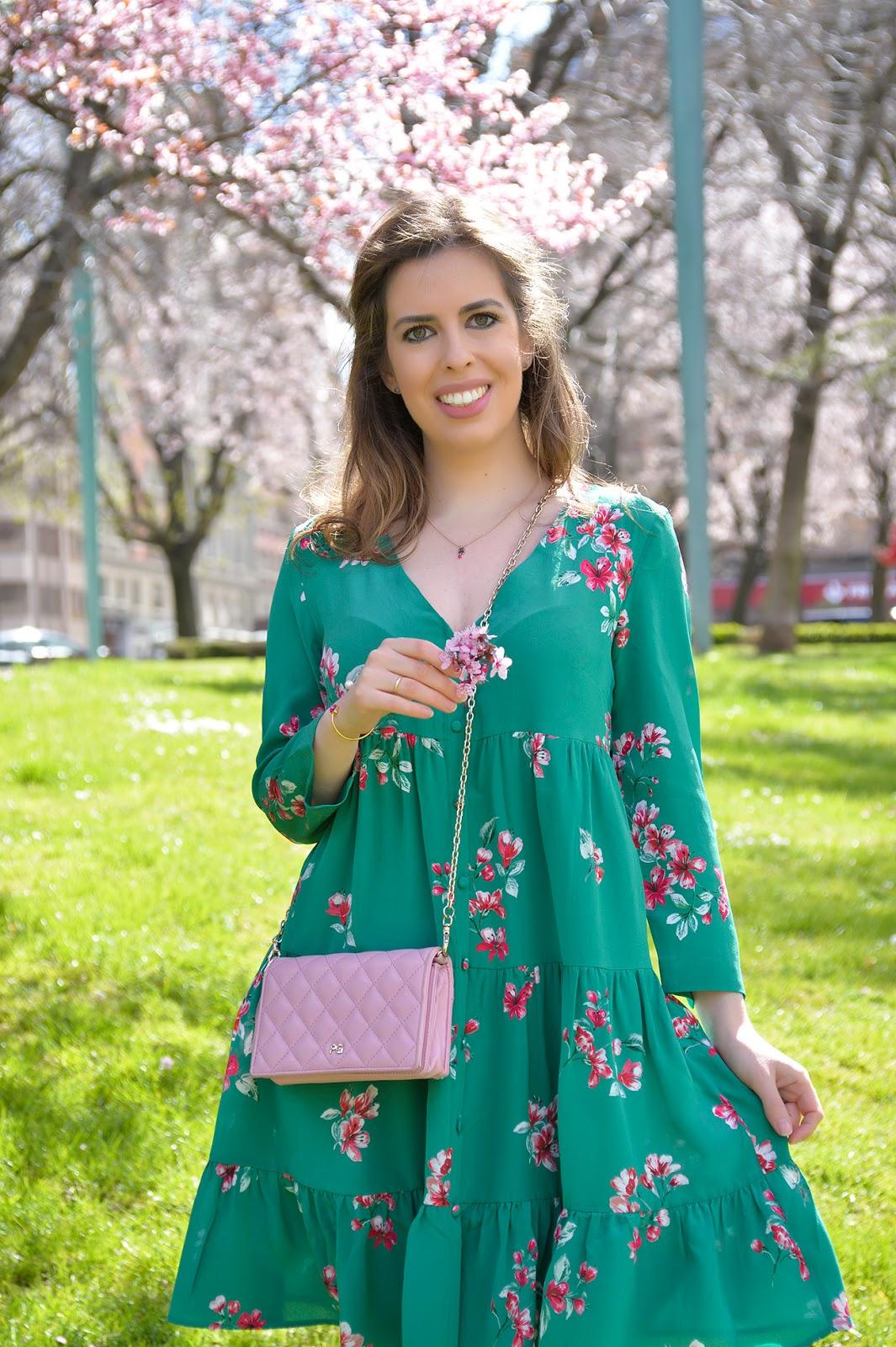 spring flower silk dress sezane travel outfit