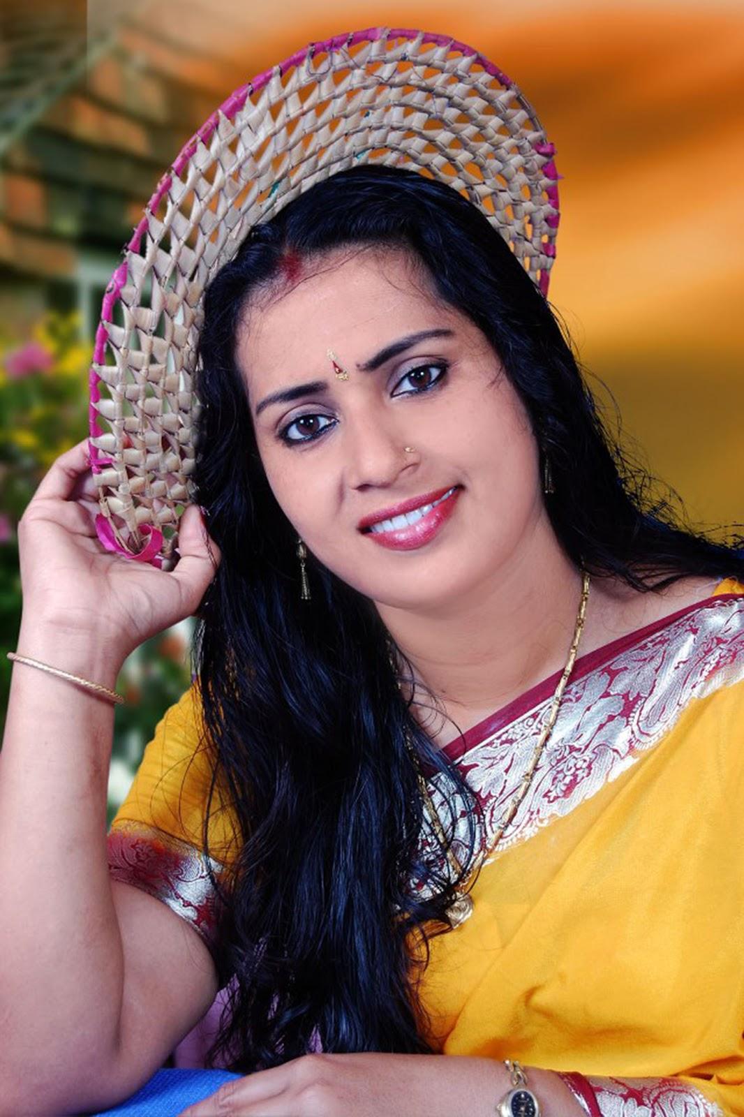 Hot Aunty Photos Mallu Aunty Hotness Images - Celebrity -9412