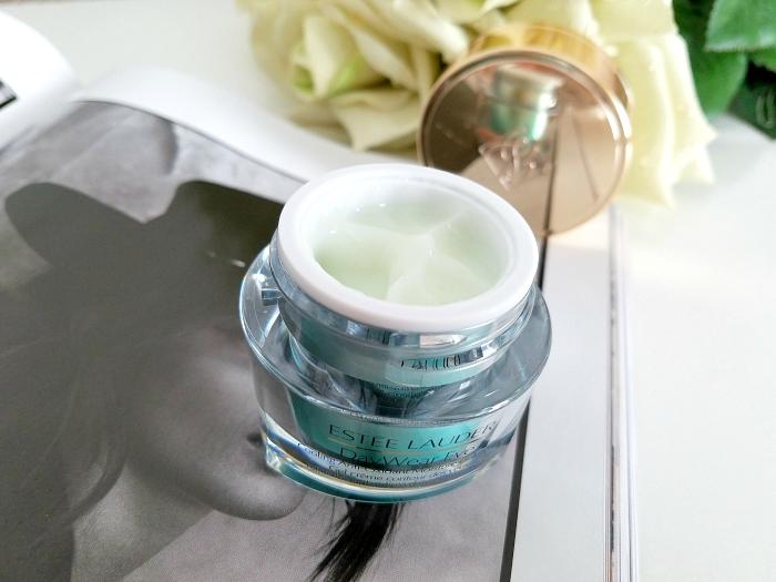Textur: Estée Lauder - DayWear Eye Cooling Anti-Oxidant Moisture Gelcreme