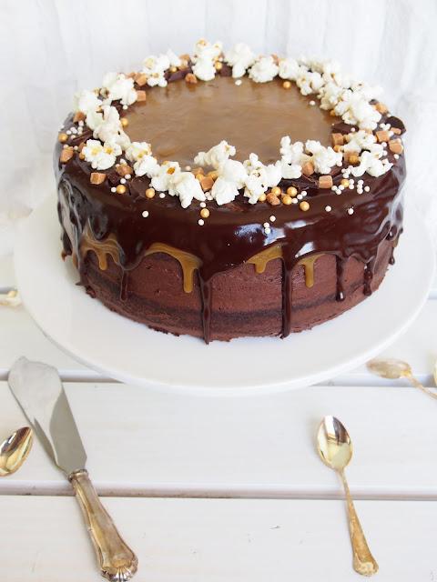 Herkku(överi)kakku