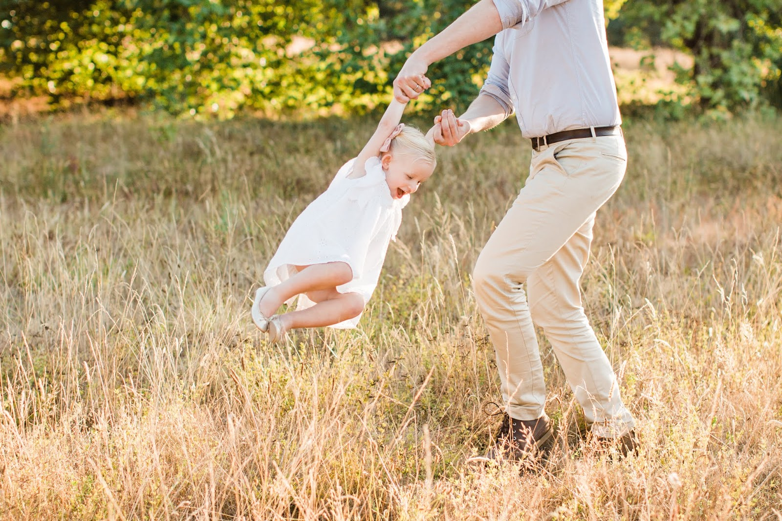 5 tips on family photos with a toddler, baby