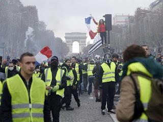 France preparing for bigger and more violent 'yellow vests' demonstration
