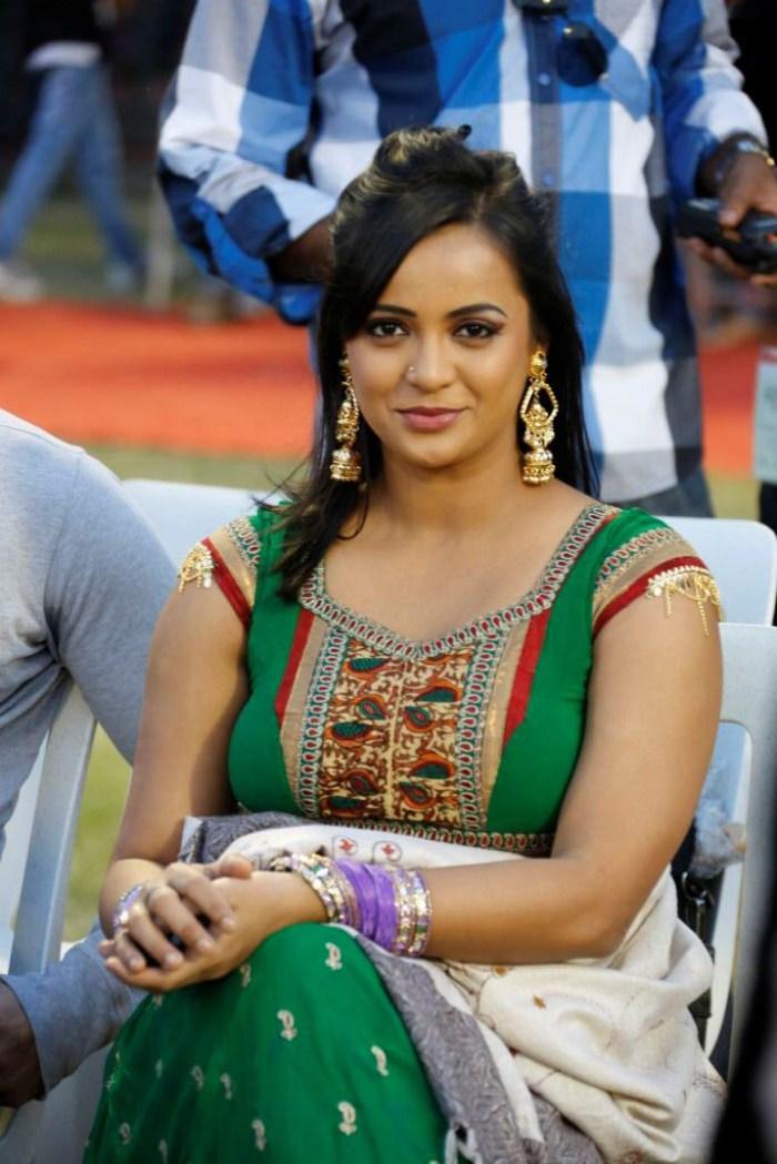 Tollywood actress tanu rai latest hot stills witho…