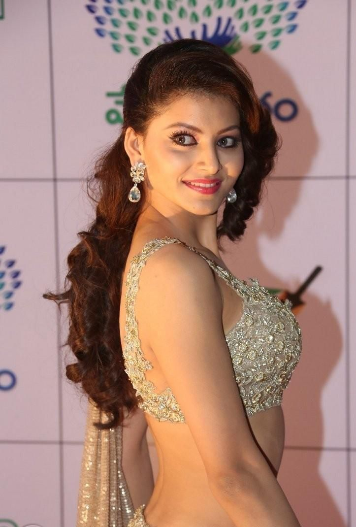 'Hate Story 4' actress Urvashi Rautela HD Wallpapers & Photos