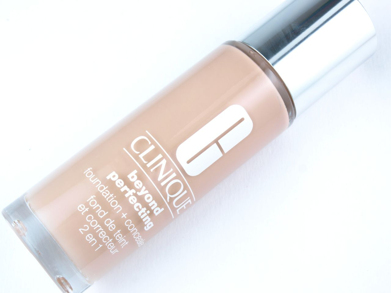 "Clinique Beyond Perfecting Foundation + Concealer in ""6 Ivory"": Review and Swatches"