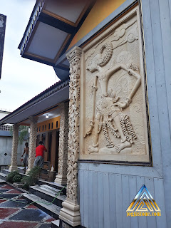 Ukiran relief batu alam paras jogja (batu putih) gambar wayang wisanggeni