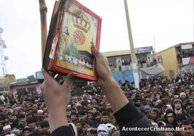 Niños presos por romper Corán en Egipto
