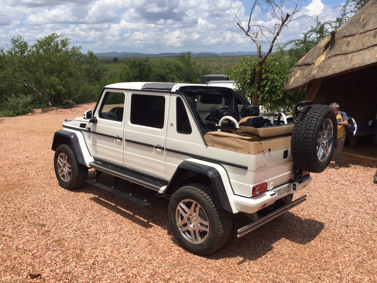 new mercedes maybach g650 landaulet appears before we were. Black Bedroom Furniture Sets. Home Design Ideas