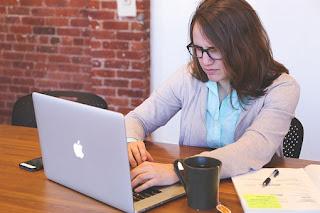 7 Contoh Bisnis Online Untuk Mahasiswa Tanpa Modal Untung Besar