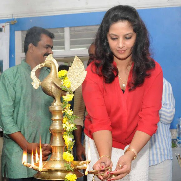Sini Abraham latest photos from Amma Varunnathum Kaathu movie pooja