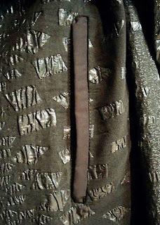 Creates Sew Slow: Vogue 1836 Issey Miyake - welt pocket