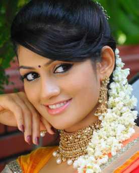 Radhika Kumaraswamy Wiki, Height, Weight, Age, Husband, Family and Biography