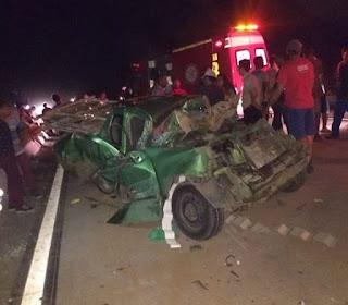 Engavetamento de carros e caminhão deixa homem gravemente ferido, na Paraíba