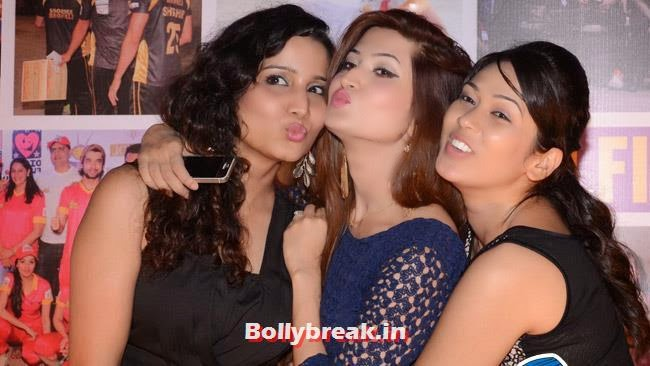 Firoza and Freinds, Box Cricket League Success Party - Tv Babes as Guests