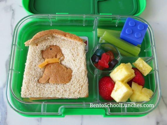 Dog In Doghouse lunch in a Yumbox
