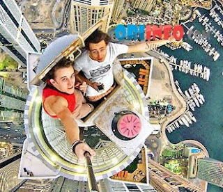 WOW!! Kumpulan Foto-Foto Selfie Paling Berbahya !