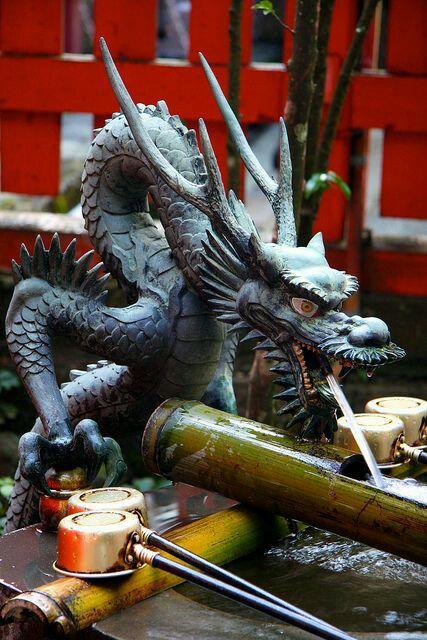 Rồng nằm trên thùng mút - cảm hứng ban đầu
