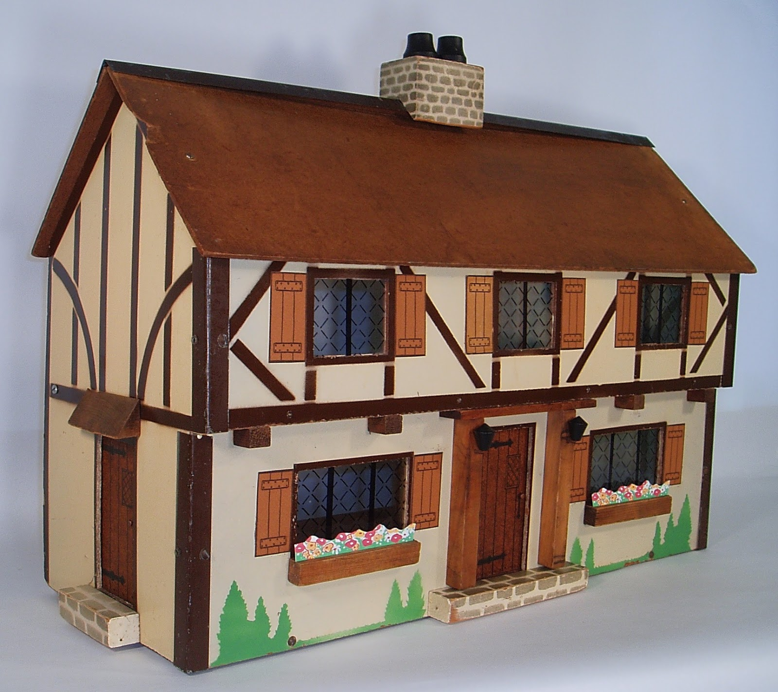 My vintage dollhouses my rich toys houses - What makes a house a tudor ...