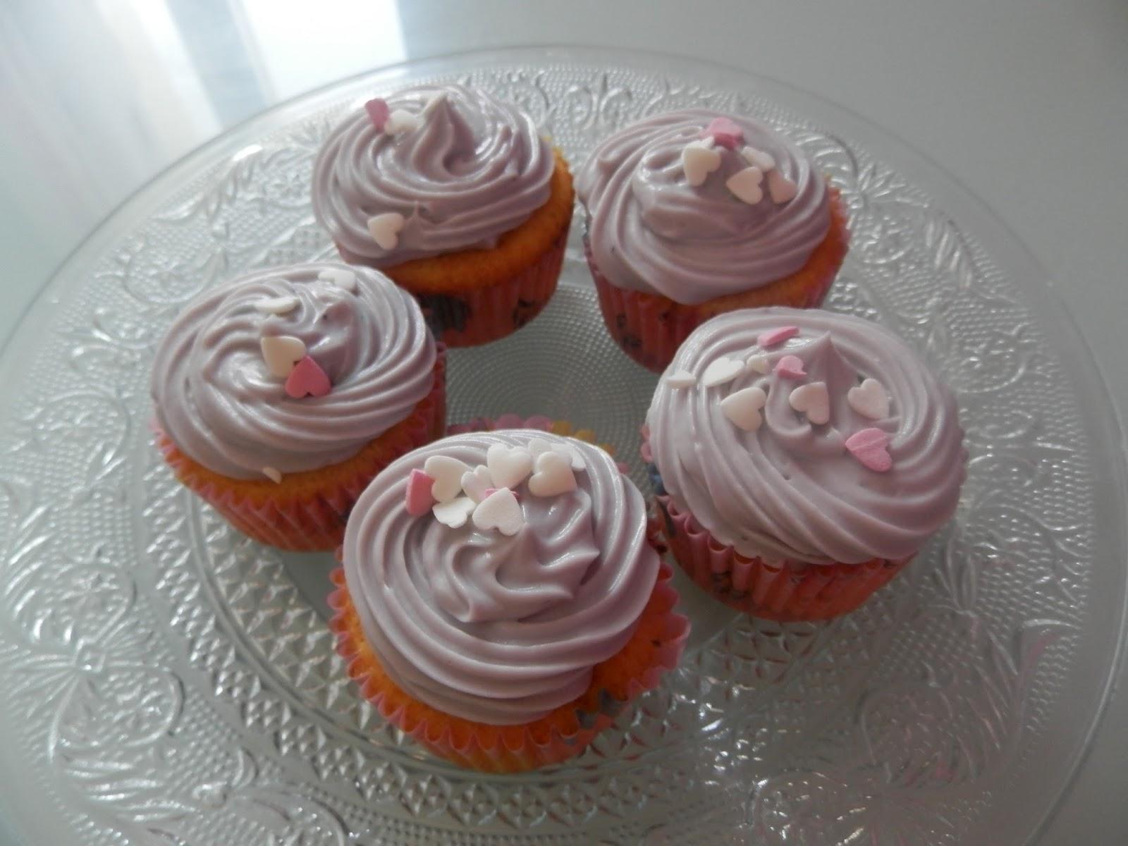 La cuisine de yasemin cupcakes faciles et gla age au mascarpone - Glacage cupcake facile ...