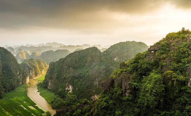 One day discovering Dance cave in Ninh Binh 2