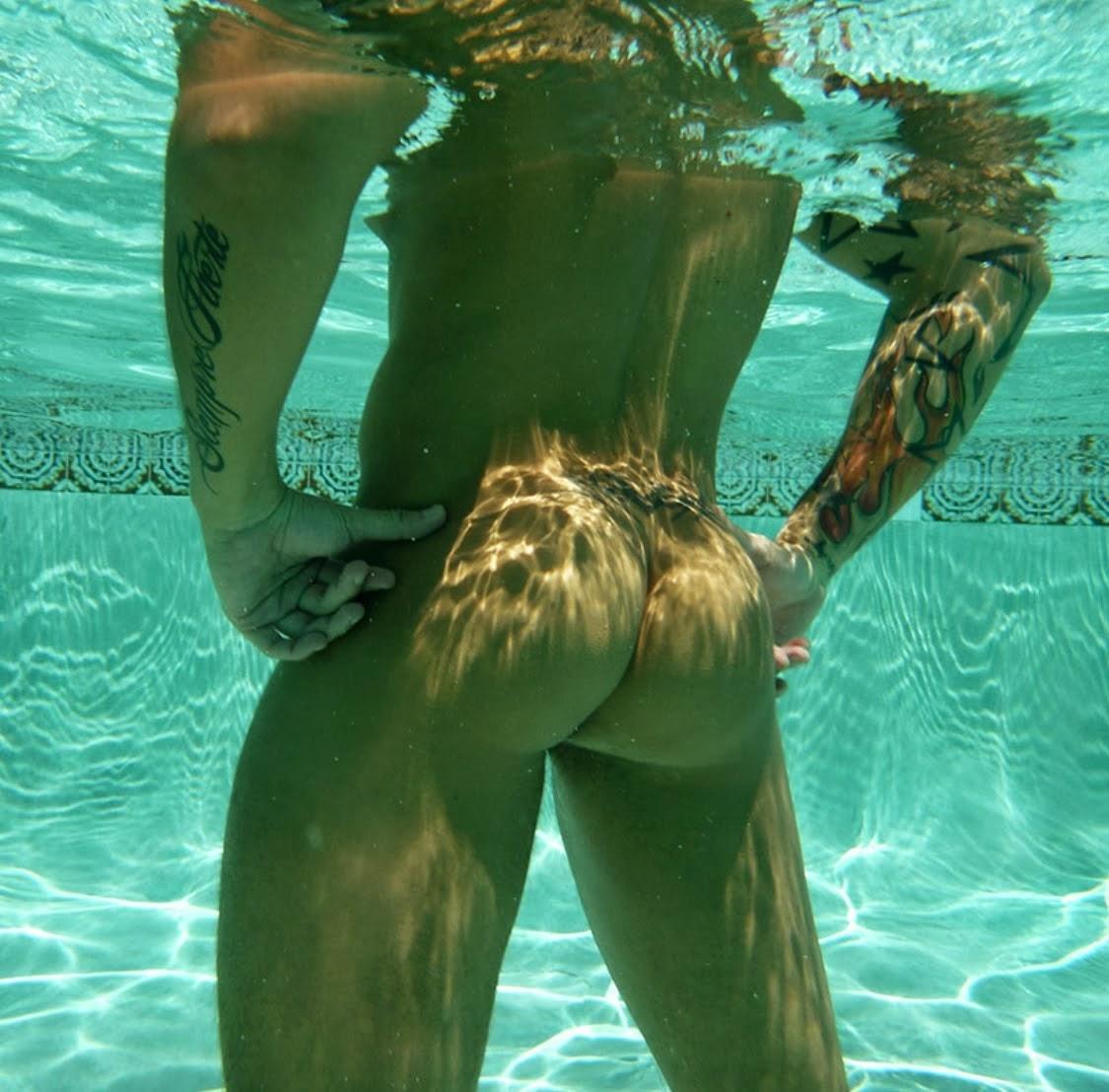 Guys Swimming Naked Underwater-4347