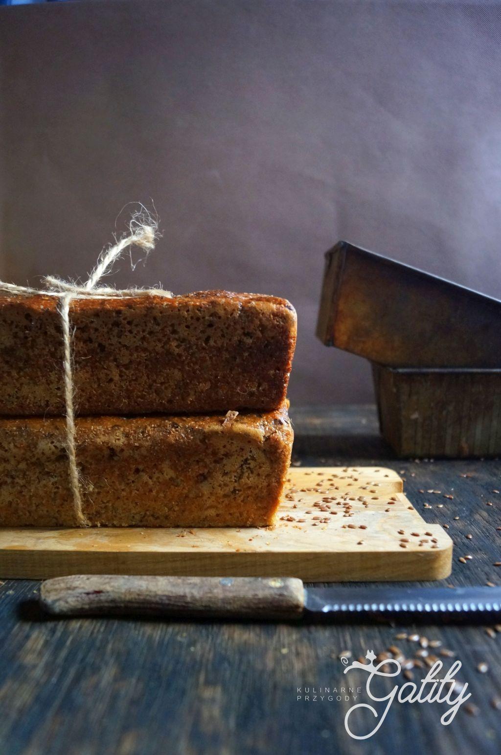 bochenek-chleba-widok-z-boku