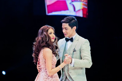 Alden Richards and Maine Mendoza during the Tamang Panahon Concert