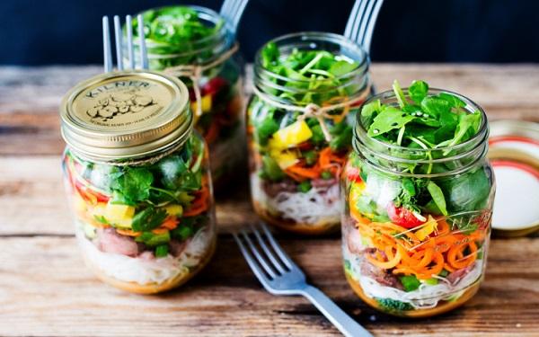 Receita de salada no pote (Imagem: Reprodução/Salada no Pote)