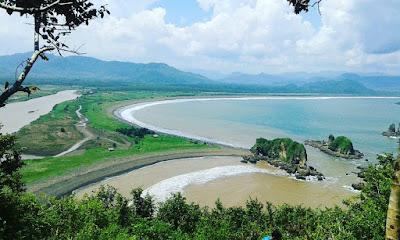 foto pantai payangan jember