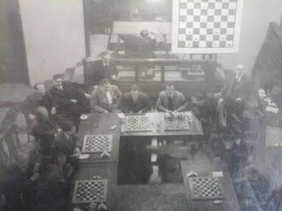 Simultáneas a la ciega de ajedrez de Miguel Najdorf en Mataró en 1946