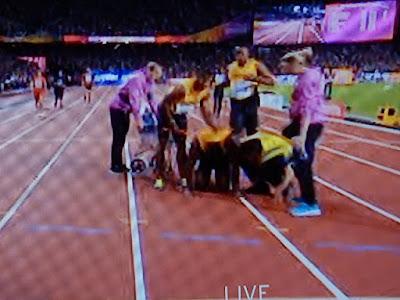 http://www.express.de/sport/sportmix/leichtathletik-wm-sturz--aus--rollstuhl---bolt-drama-im-allerletzten-rennen-28158710?originalReferrer=