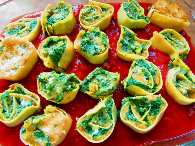 Squash and spinach pasta rotolo by Laka kuharica: