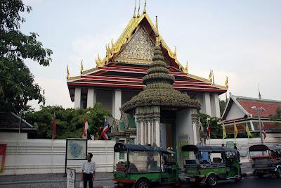 Reclining Buddha Temple in Bangkok