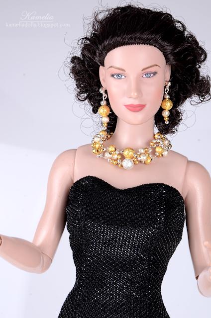 """Handmade jewellery set for 15"""" Tonner doll"""