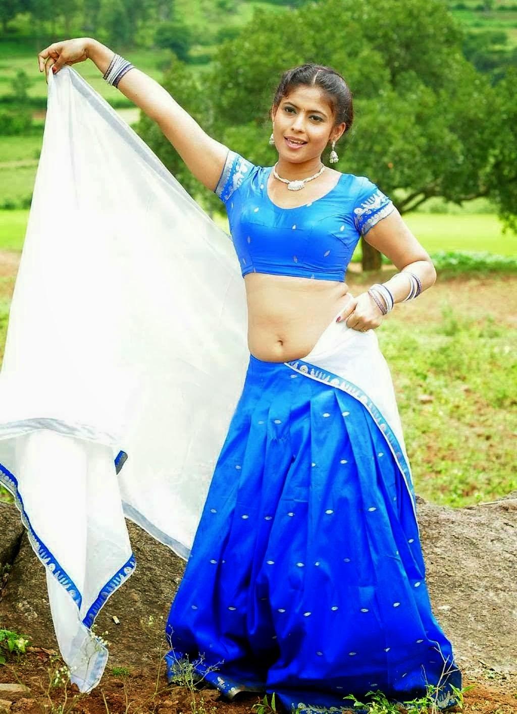 Actress Saira Bhanu Hot Saree Below Navel Show_Blue Half