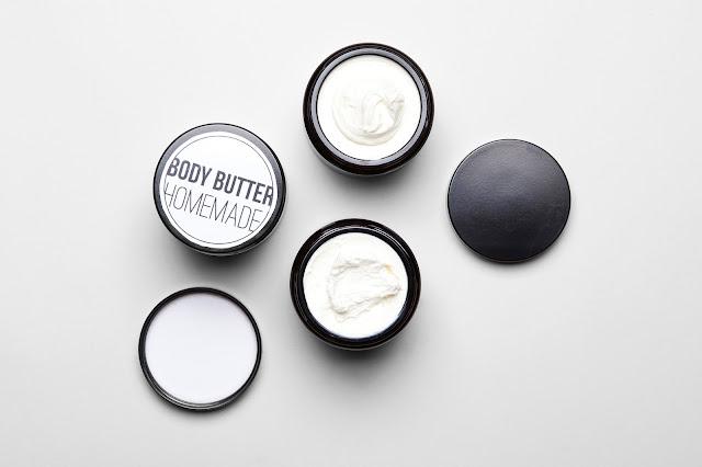 Ferdigproduktet: body butter med naturlige ingredienser ©lessismorediy / Lena Isaksen