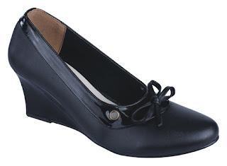 sepatu kerja wanita,grosir sepatu kerja online murah,gambar sepatu guru wanita,sepatu wanita model unik terbaru,sepatu formal wanita bahan sintetis,sepatu wedges formal cantik