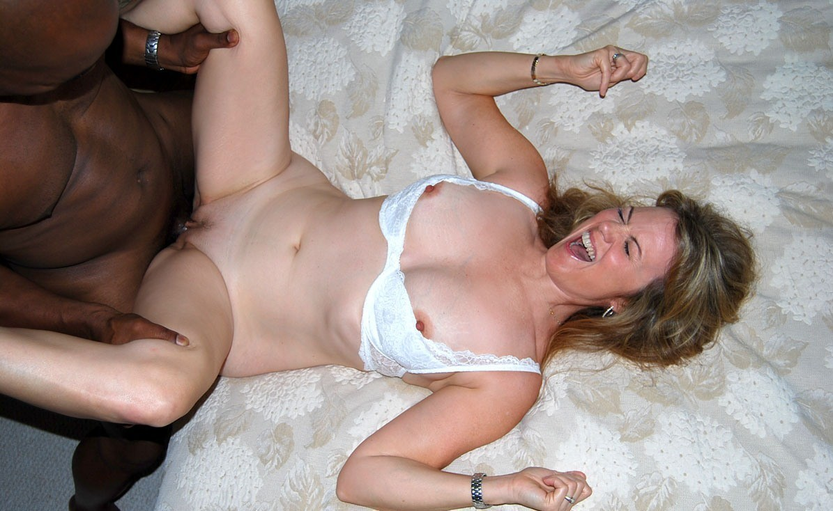 naked married women gif